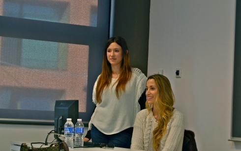 Paty Y Marina, en plena Conferencia