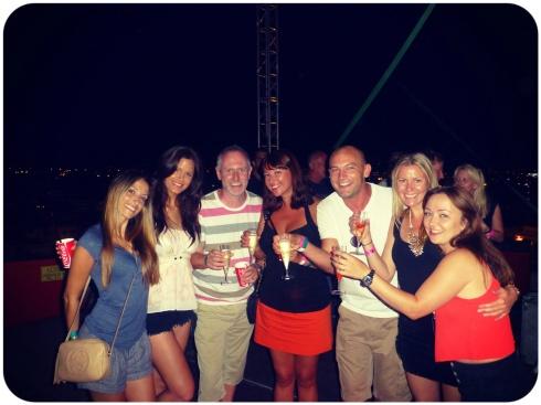 Dream team de la noche , los 7 pasándolo genial! :P