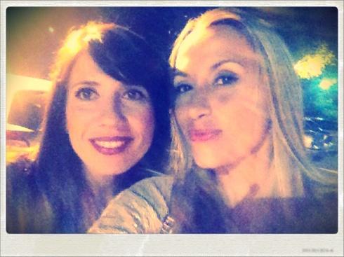 Con mi amiga Rosannita vamos a bailar flamenquito!! :)