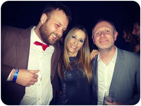 Con Jason Ellis y su amigo.